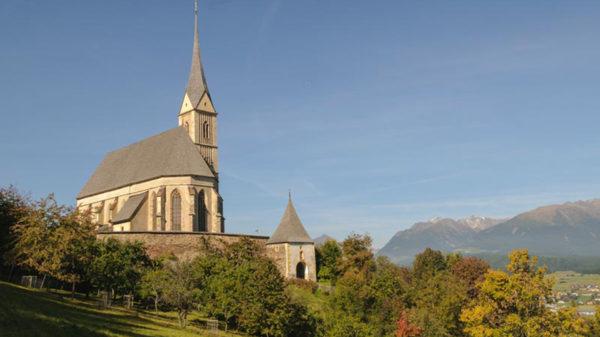 Hotel Wastlwirt - Kirche St. Leonhard
