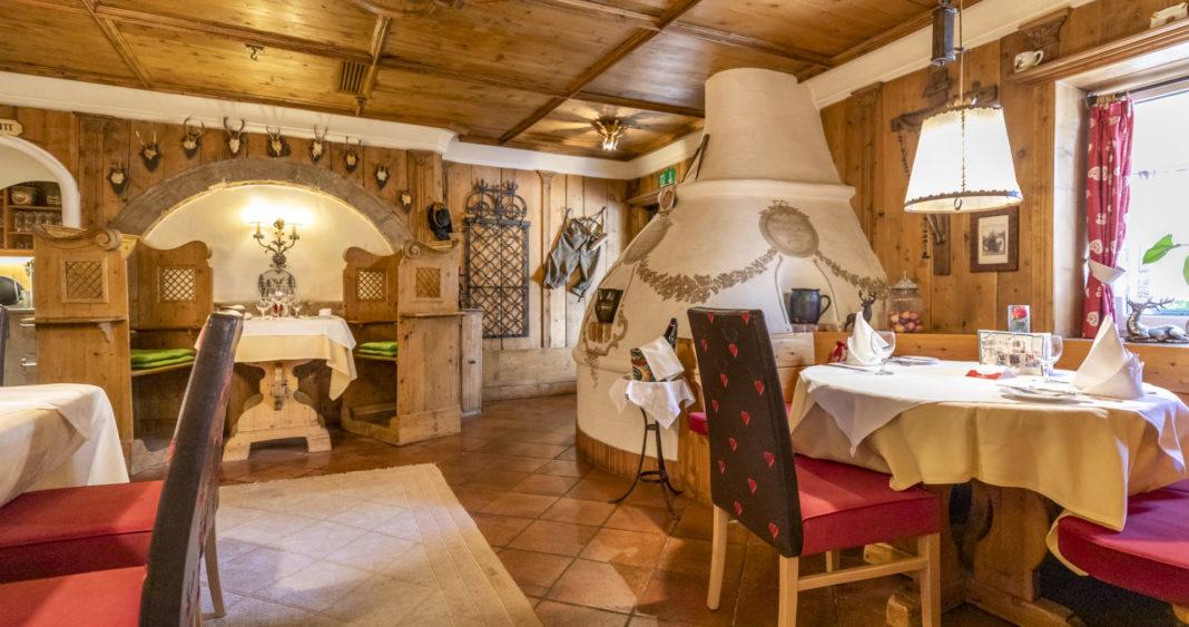 Hotel Wastlwirt - Kachelofen